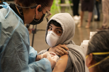 EMA zatiaľ očkovanie detí mladších ako 12 rokov vakcínou proti covidu nepovolila