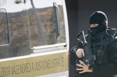Politici reagujú na zadržanie príslušníkov Národnej kriminálnej agentúry
