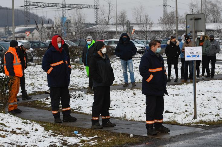 V Košiciach otestovali za tri dni vyše 53.000 ľudí, pozitívnych bolo takmer 900