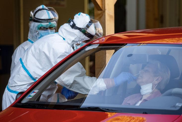 Na Slovensku pribudlo 328 prípadov ochorenia COVID-19 a 39 obetí