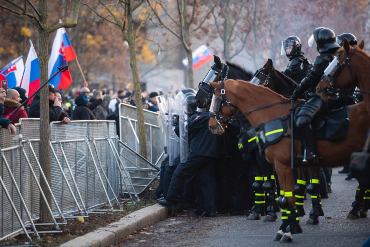 R. Mikulec: Utorkové protesty nemali nič spoločné s pokojným prejavom
