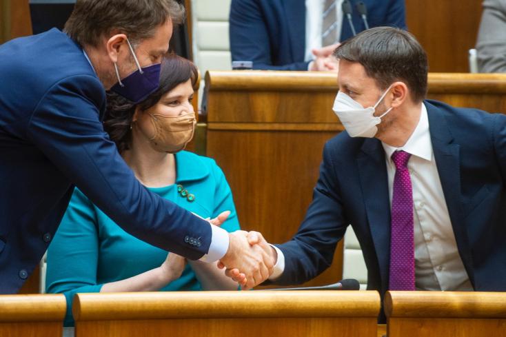 Vláda E. Hegera získala dôveru, podporilo ju 89 poslancov