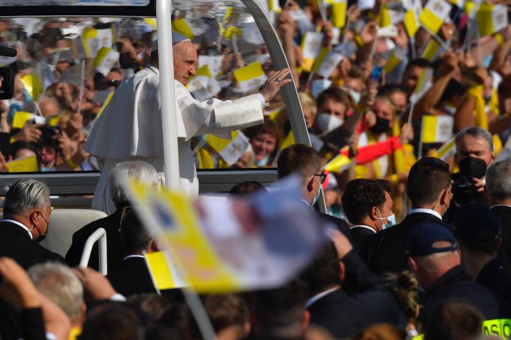 Pápež v SR: Svätý Otec František pricestoval do Košíc