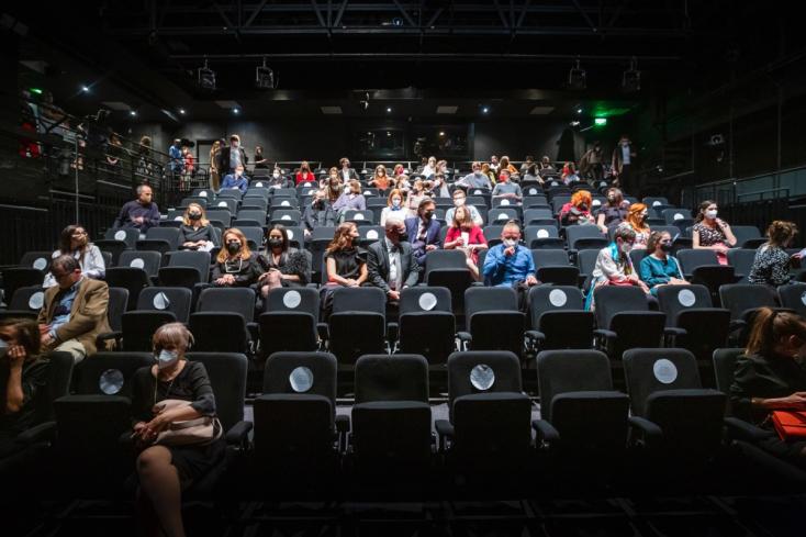 J. Mikas: V lepších okresoch sa povolia kiná, v múzeách zas skupinové prehliadky