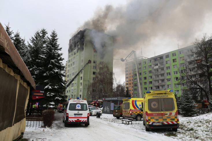 Výbuch v bytovke si vyžiadal päť mŕtvych aj viacero zranených- VIDEO