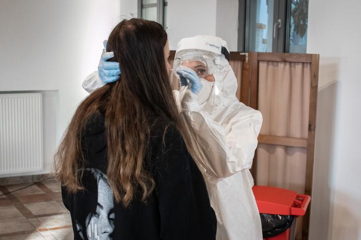 Na Slovensku pribudlo 370 prípadov nákazy novým koronavírusom