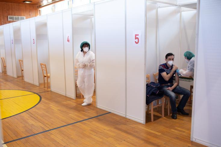 Na Slovensku pribudlo 402 prípadov nákazy novým koronavírusom a 4 obete