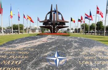 Glváč a Valášek: NATO nepoužíva výraz studená vojna, prijíma opatrenia