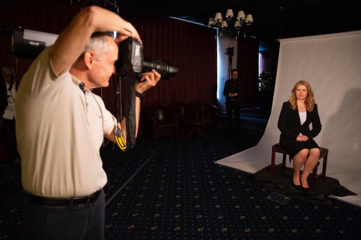 ZuzanaČaputová absolvovala v TASR fotografovanie na oficiálny portrét