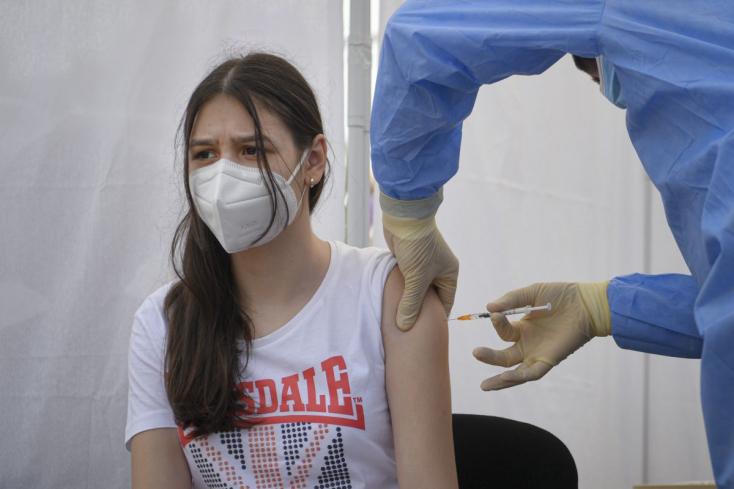 V čakárni na očkovanie je 10.046 detí vo veku od 12 do 16 rokov