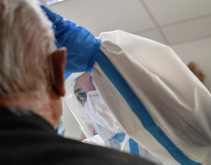 Na Slovensku odhalili 42 prípadov nového koronavírusu, pribudli tri obete