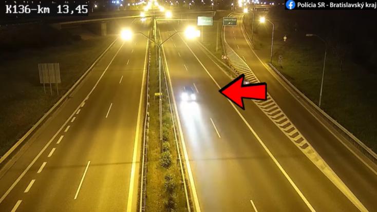 Muž jazdil na diaľnici v protismere, zastaviť nechcel ani po výstrele