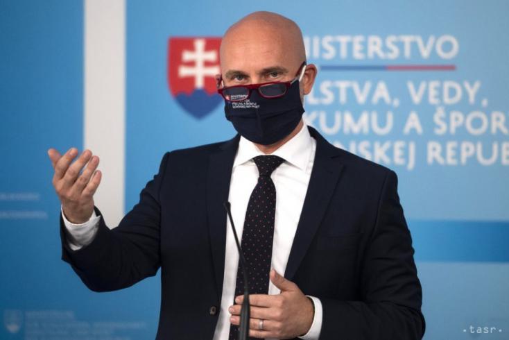 B. Gröhling: Na 99% pôjdu školy budúci týždeň v rovnakom režime ako tento