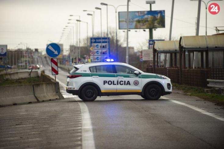 Slovákom bude od pondelka umožnený tranzit územím Českej republiky