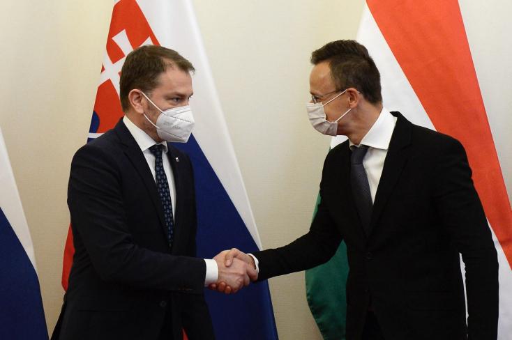 Maďarsko pomôže SR testovať vakcínu Sputnik V, potvrdil P. Szijjártó