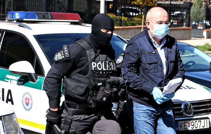 Bývalého šéfa SŠHR Kajetána Kičuruprepustili z väzby