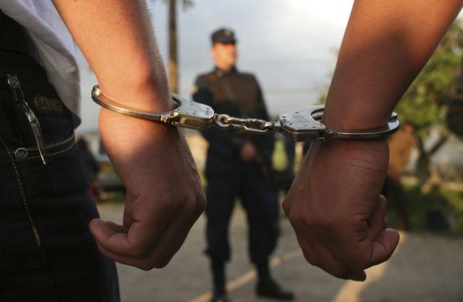 Nitrianski kriminalisti v spolupráci s maďarskými zadržali lúpežníkov