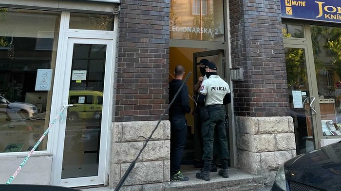 Dieťa zomrelo po zaseknutí sa výťahu v Bratislave