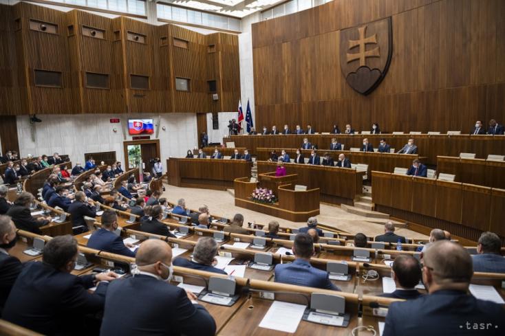 Prieskum: Voľby by vyhral Hlas-SD pred SaS a Smerom-SD