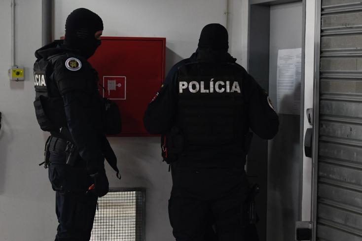 Vyšetrovatelia ÚIS zadržali svojho dočasne povereného šéfa P. Scholtza