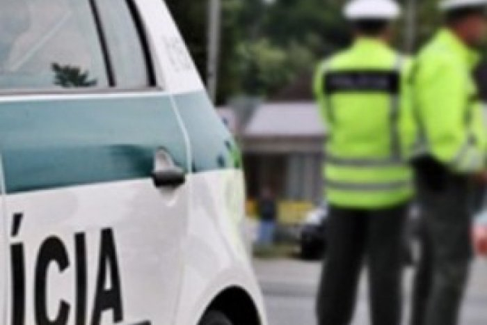 Polícia zadržala podozrivých z pokusu vraždy dvoch sestier vo Veľkom Grobe