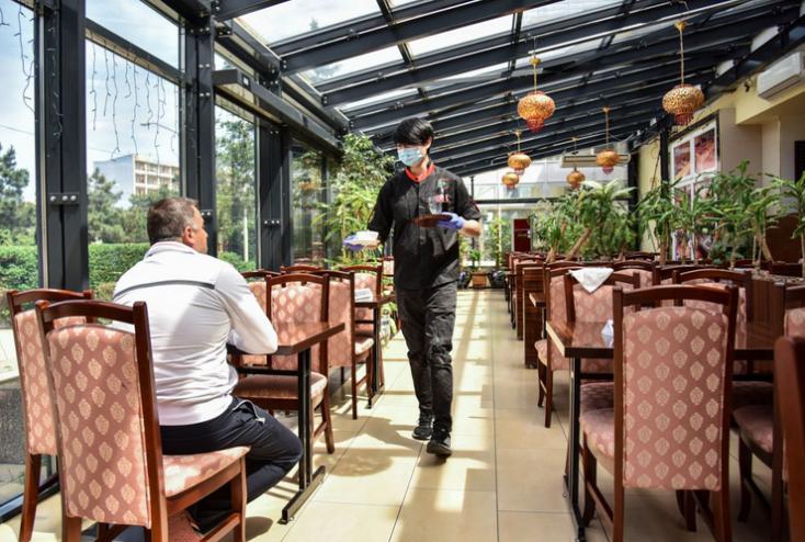 Obmedzia sa akcie v reštauráciách,sprísnia i podmienky športových kempov