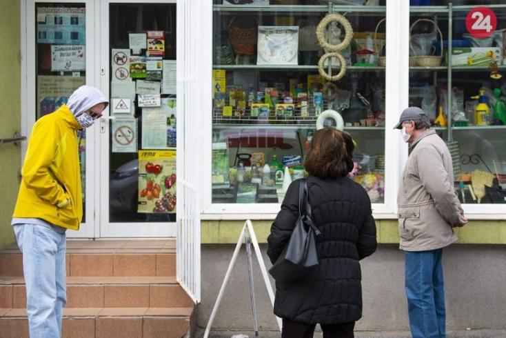 Zrušia sa vyhradené hodiny pre seniorov, zelenú dostanú kultúrne akcie