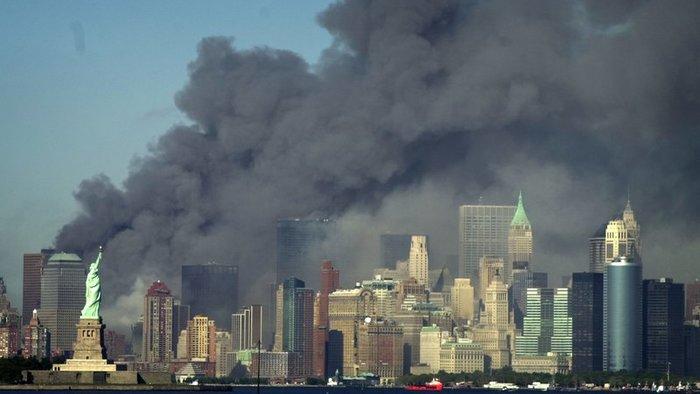 Pád WTC v New Yorku: Takto prebehol teroristický útok na dvojičky