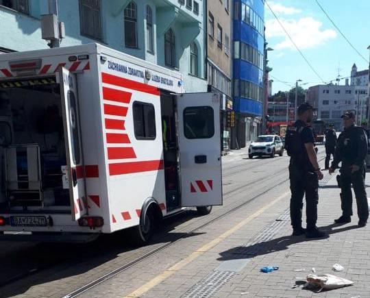 Zákrok policajtov pri incidente na Obchodnej ulici preveruje inšpekcia