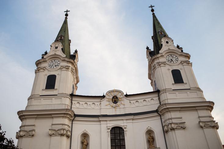Pápež v SR: Príchod pápeža bude na 12 minút sprevádzaný zvonením zvonov