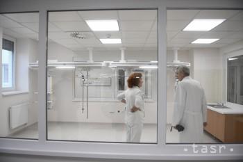 Handlovská nemocnica zaznamenala nárast hospitalizácií seniorov