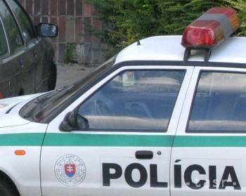Dve osoby zahynuli pri nehode medzi Zvolenom a Dobrou Nivou