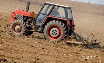 Polícia objasnila vlaňajšiu krádež traktora v Ostraticiach