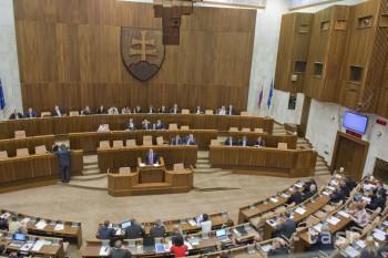 Poslanci prelomili veto prezidenta,opäť prijali novelu o vyvlastňovaní