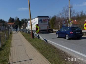 Podľa ministerstva Jablonica obchvat nepotrebuje, ale opravu mosta áno