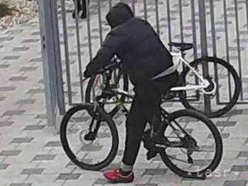 Žilinskí policajti obvinili 44-ročného Kysučana z krádeže 5 bicyklov