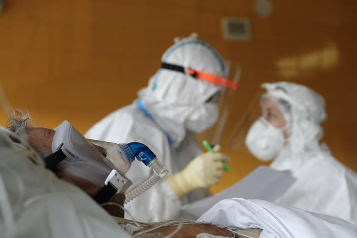 Na Slovensku pribudlo šesť úmrtí na pľúcnu formu ochorenia COVID-19
